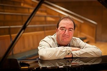 Neil Brand PianonMan